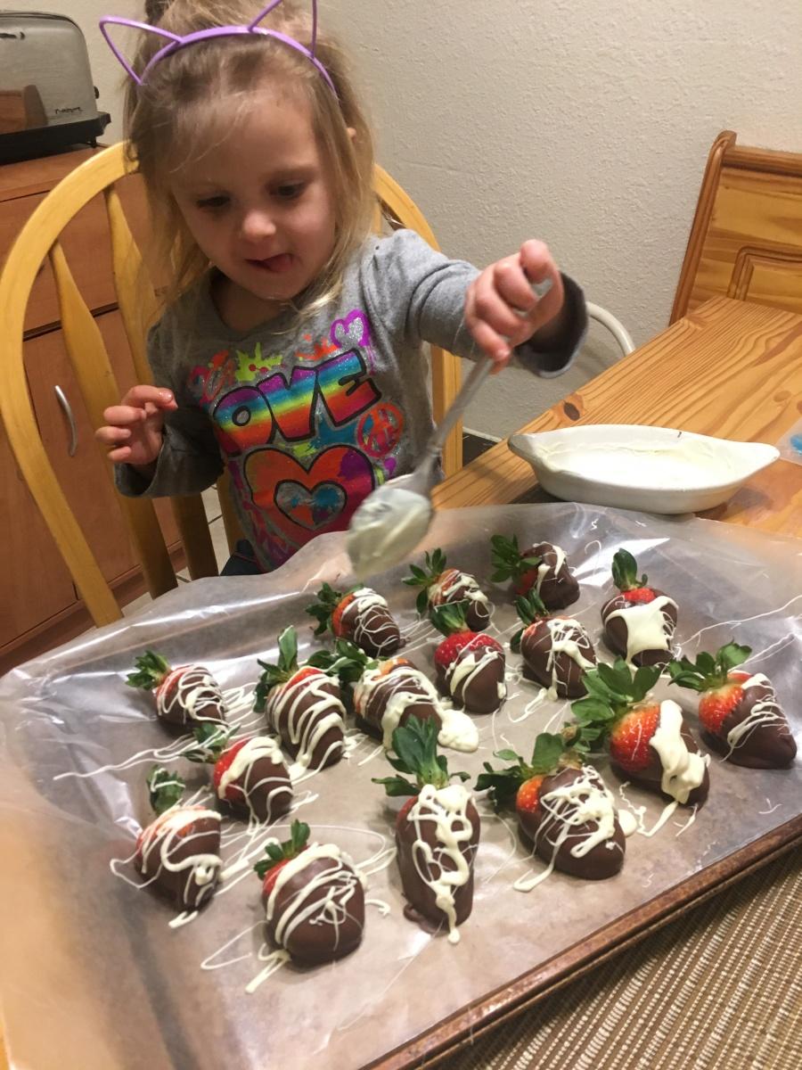 nutella-chocolate-strawberries-0217
